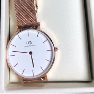 Daniel Wellington 32 mm DW Women's watch